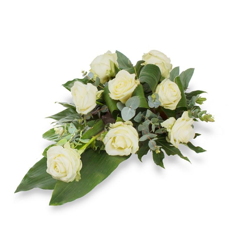 Bēru štrauss ar baltām rozēm
